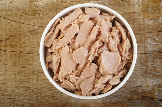canned tuna fish in white bowl